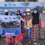ARM HA-IPB Salurkan Paket Bantuan ke Warga Terdampak Siklon di Adonara Timur, NTT